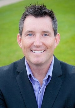 Dr. Chad Loween is a dentist in North Oaks who strives to make dental care more personal and fully comprehensive.